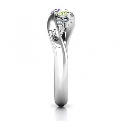 Everyday Dream Solid White Gold Ring With Shoulder Accents