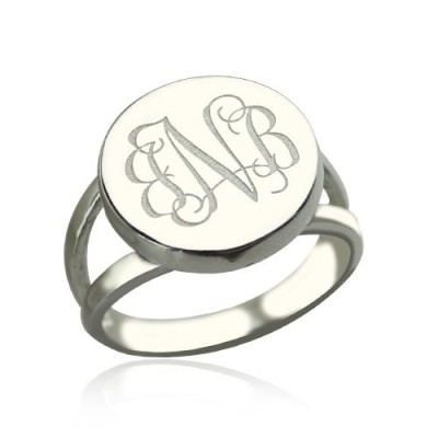18CT White Gold Circle Monogram Signet Ring