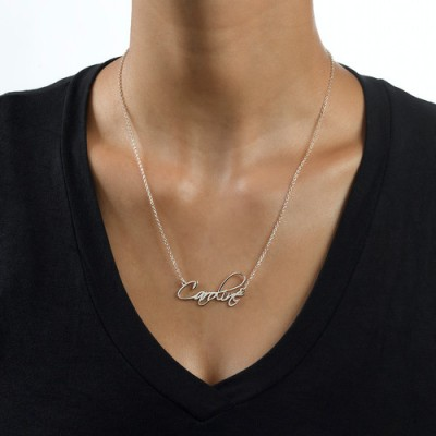 18CT White Gold Calligraphy Name Necklace