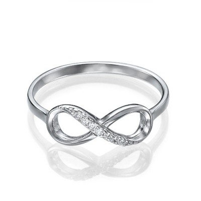 18CT White Gold With Moissanite Infinity Ring