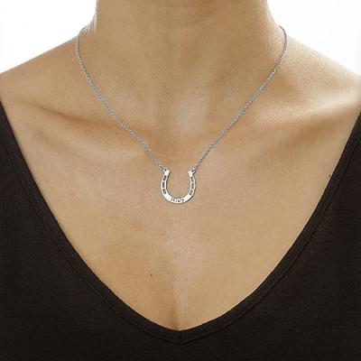 18CT White Gold Engraved Horseshoe Necklace