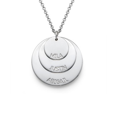 18CT White Gold Mummy Necklace with Kid's Names
