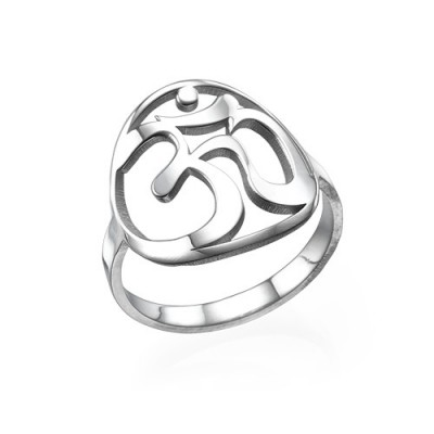 18CT White Gold Om Ring