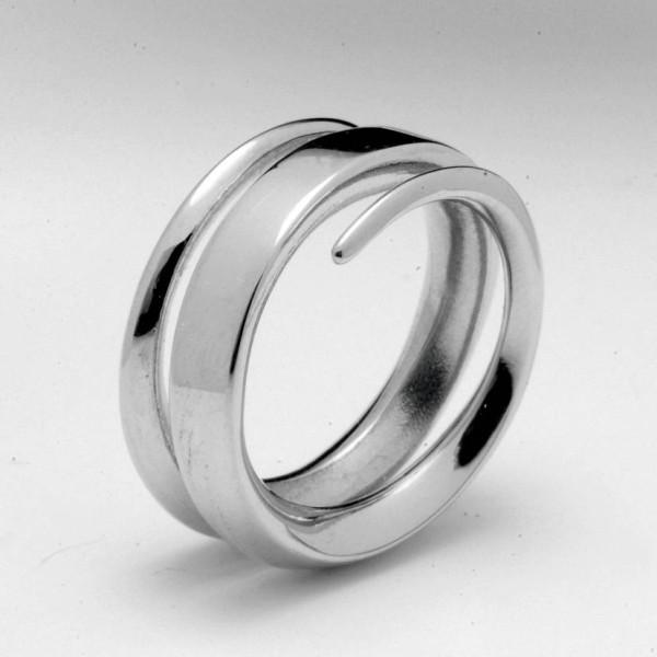 18CT White Gold Full Spiral Ring
