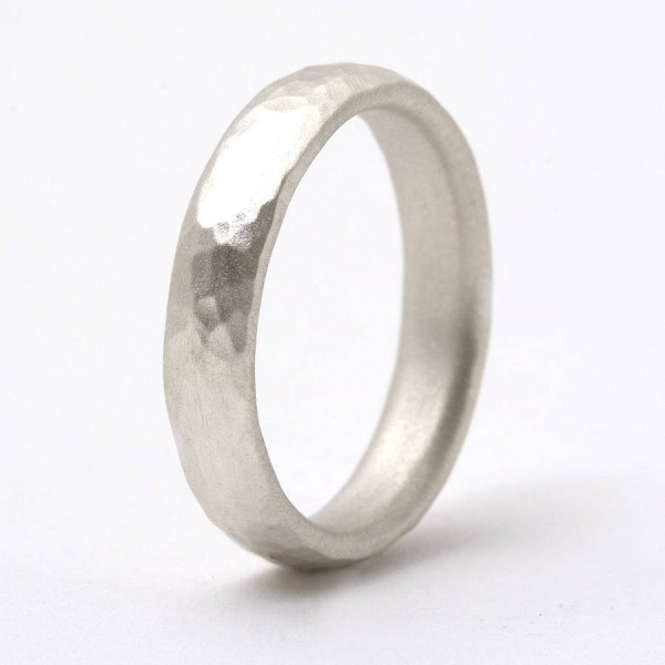 Thin 18CT Gold Hammered Ring