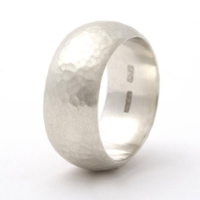 Chunky 18CT Gold Rounded Hammered Ring