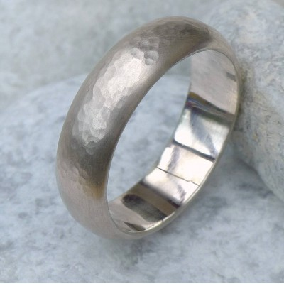 Mens 6mm Hammered Ring In 18CT Gold