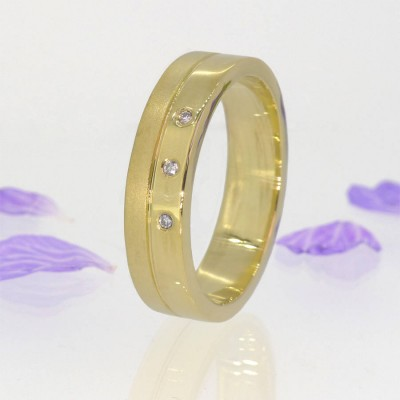 Mens Contemporary Diamond Ring In 18CT Gold