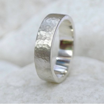 Mens Hammered Ring,Or 18CT Gold