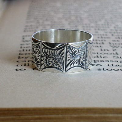 Mens Victorian Style Solid White Gold Ring