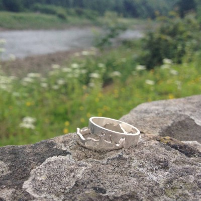 River Solid Gold Ring