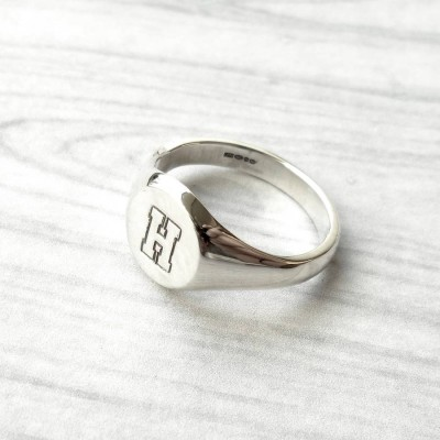 Round InitialSignet Solid Gold Ring