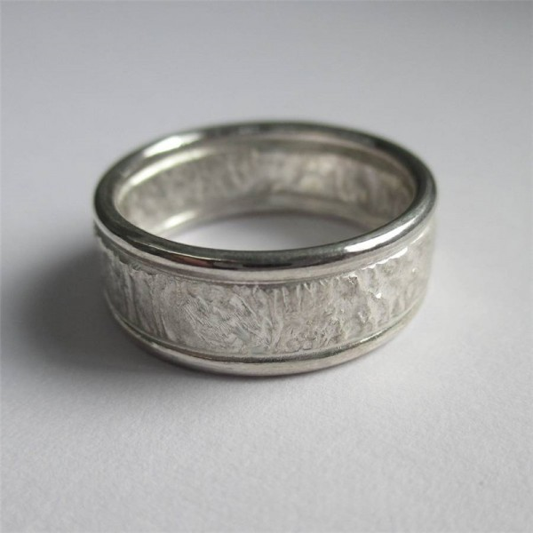 Rocky Outcrop Solid White Gold Ring With Polished Edges