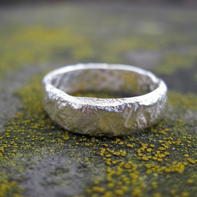 Rocky Outcrop Slim Solid White Gold Ring