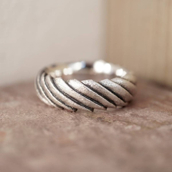 Shell Solid White Gold Ring