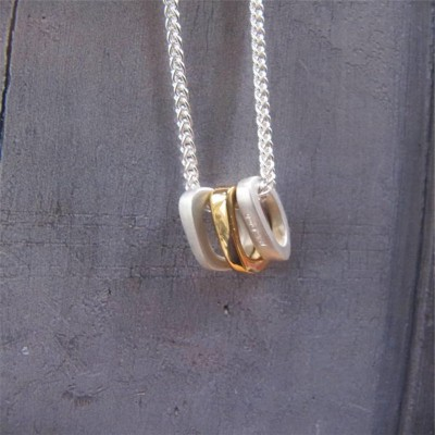 Ovals Name Necklace With Gold